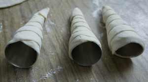 слоеные трубочки с белковым кремом