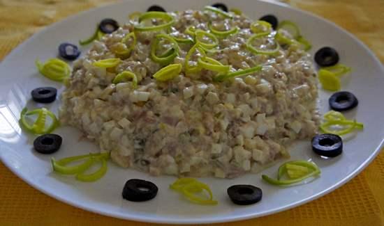 приготовить салат из печени трески