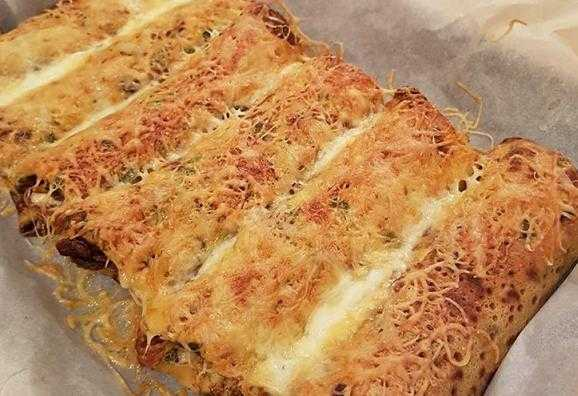 блин с сырной начинкой