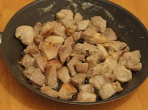 жареная свинина в овощной приправе